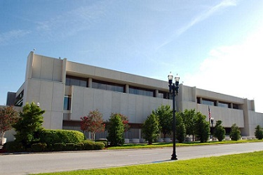 Color photo of the Federal Reserve Bank of Atlanta's Jacksonville Branch building
