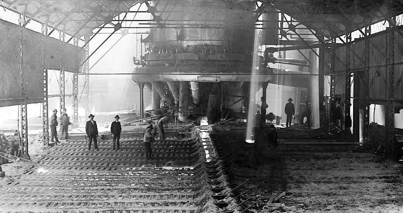 An interior photo of pig iron being cast in Sloss furnaces in 1906. Photo courtesy of the Library of Congress Photographic Archives