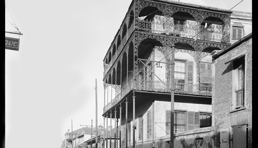 A mansion in New Orleans's historic French Quarter in 1933. Photo courtesy of the Library of Congress photographic archives