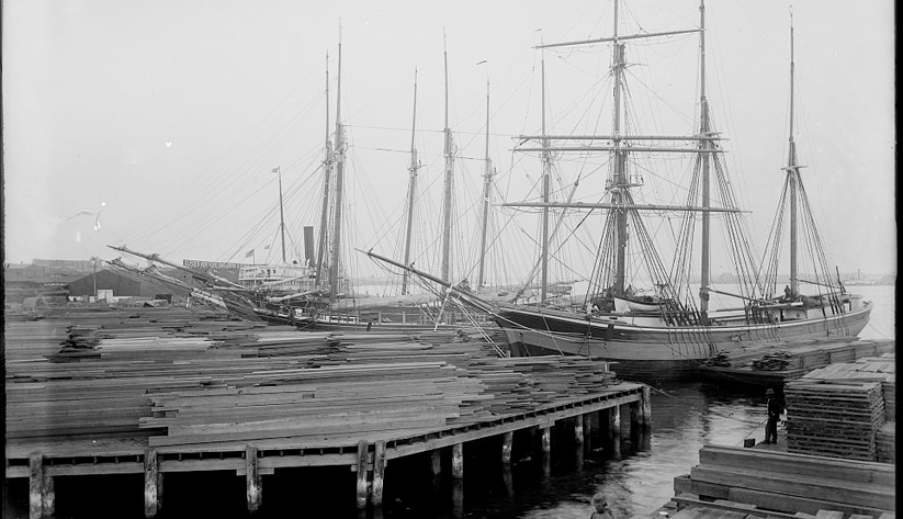Lumber wharfs along the St. Johns River in Jacksonville around the turn of the 20th century. Photo courtesy of the Library of Congress photographic archives
