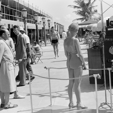 Philco, 1939. Miami Beach became a popular vacation destination early in the 20th century. Photo courtesy of the Library of Congress photographic archives
