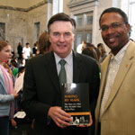 photo of Atlanta Fed Chairman Dennis Lockhart with Atlanta Fed visitor
